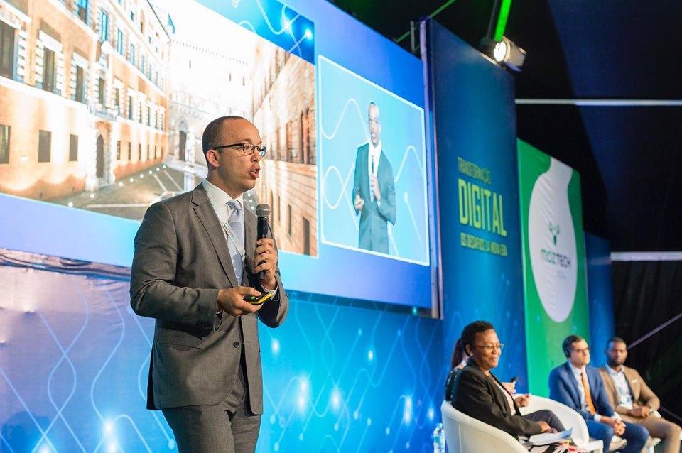 Figura 7.<b> O CEO da Asseco PST, Daniel Araújo durante a sua apresentação no&nbsp;MozTech 2019, em Maputo.</b>